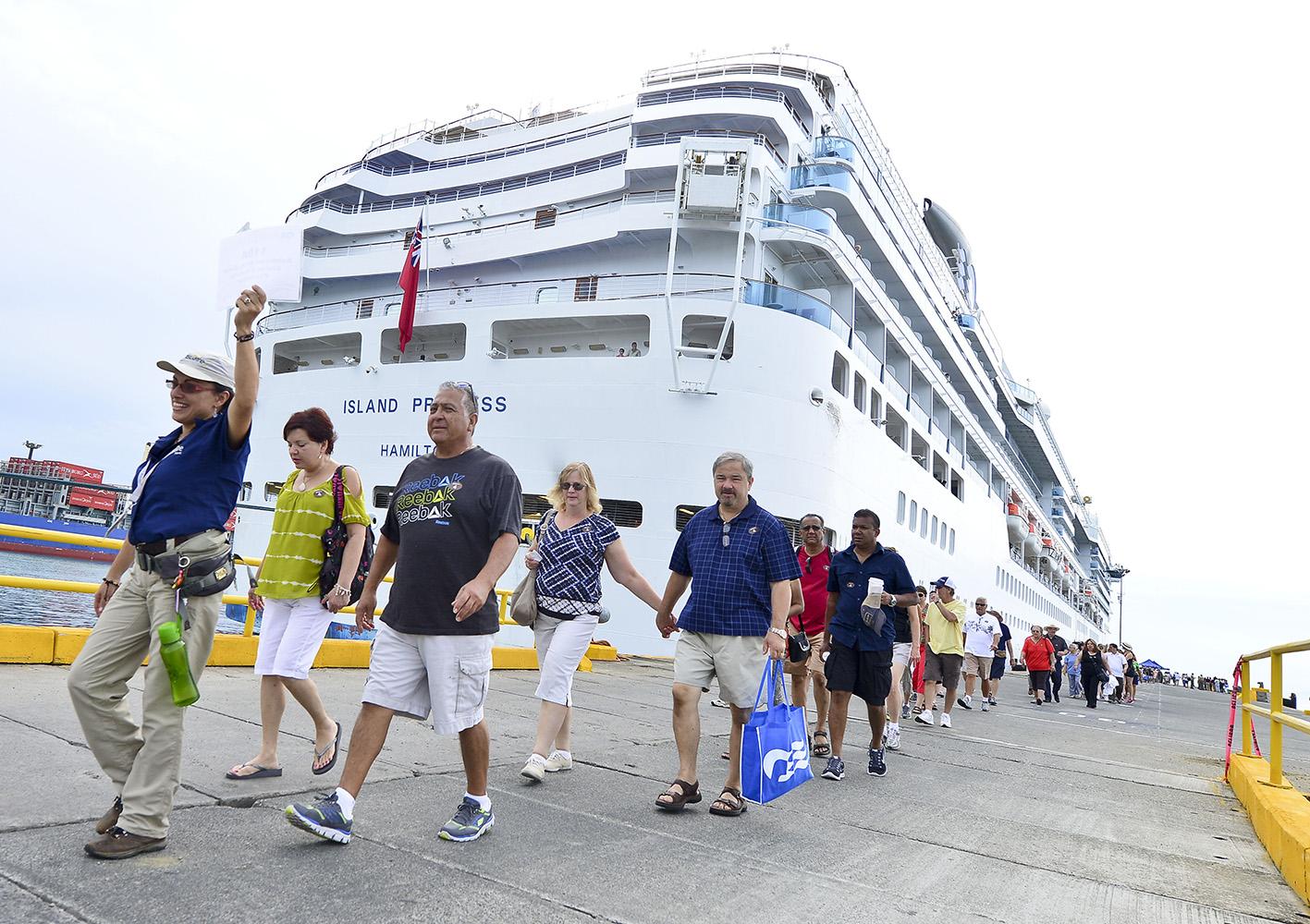 Este fin de semana comenzó la temporada de cruceros en Limón